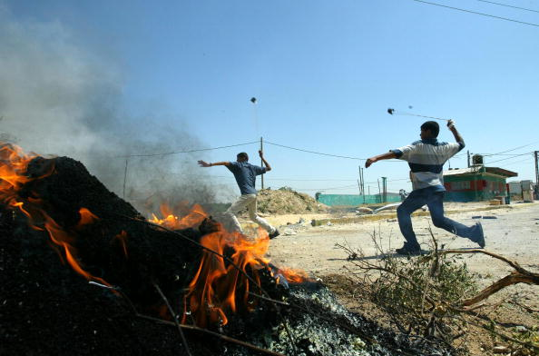 Clear Sky「Palestinians Clash With Israeli Tank In Beit Hanon」:写真・画像(17)[壁紙.com]