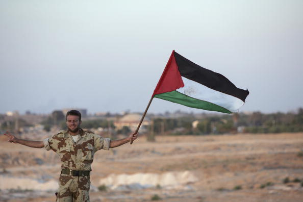 Focus On Foreground「Israeli Troops Make Final Withdrawl From Gaza」:写真・画像(5)[壁紙.com]