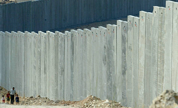 ISR:International Court Of Justice Ruling The West Bank Separation Wall Illegal:ニュース(壁紙.com)