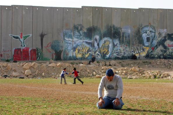 Abu Dis「Separation Barrier Dominates Lives of Palestinians」:写真・画像(8)[壁紙.com]