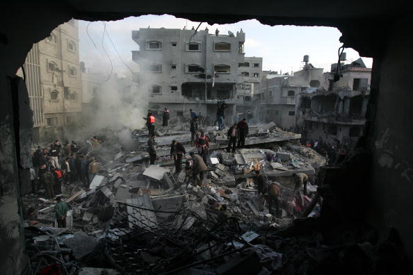 Gaza Strip「Israel Pushes More Troops To Gaza Border Amid Talks Of Ceasefire」:写真・画像(8)[壁紙.com]