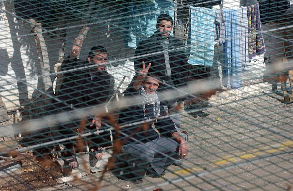 Prisoner「Palestinian Prisoners In Megido Jail」:写真・画像(3)[壁紙.com]