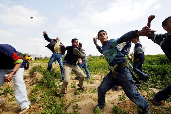 Deir Al-balah「Palestinians Protest against Israel's separation barrier」:写真・画像(18)[壁紙.com]