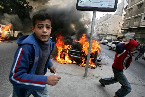 Gunman「Violence Flares In Gaza Despite New Ceasefire」:写真・画像(14)[壁紙.com]