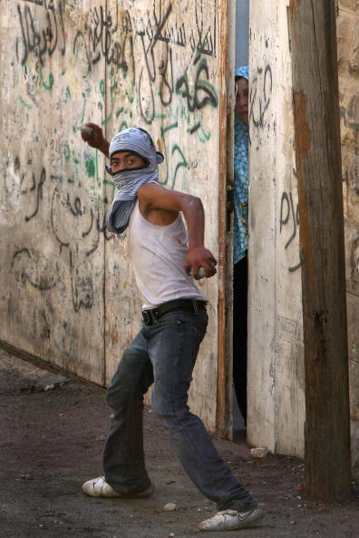 East Jerusalem「Clashes Break Out Around The Temple Mount Compound」:写真・画像(2)[壁紙.com]