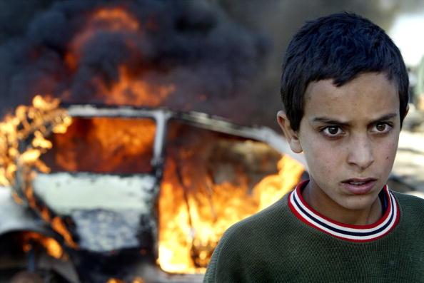 Guarding「Clashes Erupt Over Israel's Separation Fence」:写真・画像(7)[壁紙.com]