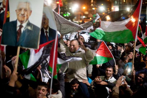 West Bank「Palestinians Celebrate U.N. Vote」:写真・画像(3)[壁紙.com]