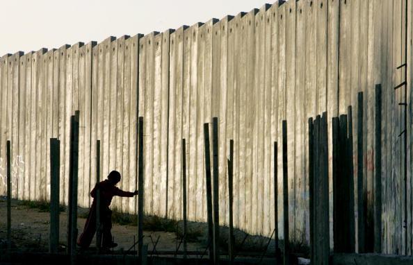 West Bank「Separation Barrier Dominates Lives of Bethlehem Palestinians」:写真・画像(9)[壁紙.com]