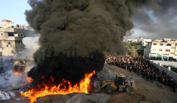 Construction Equipment「Israel Launches Further Raids on Gaza」:写真・画像(0)[壁紙.com]