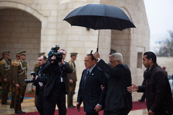 West Bank「Italian PM Belusconi Visits West Bank」:写真・画像(2)[壁紙.com]
