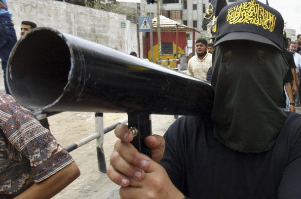 Homemade「Palestinian Militants Show Strength Of Arms At Funeral」:写真・画像(8)[壁紙.com]