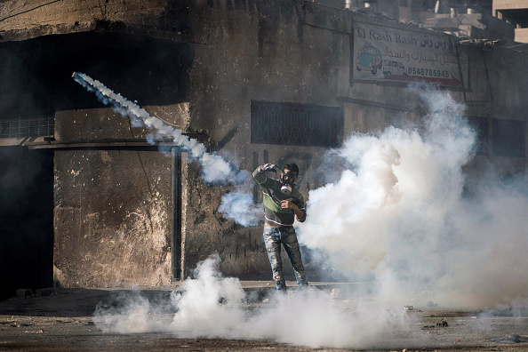Israel-Palestine Conflict「Palestinian Youth And Israeli Police Clash In Jerusalem」:写真・画像(4)[壁紙.com]
