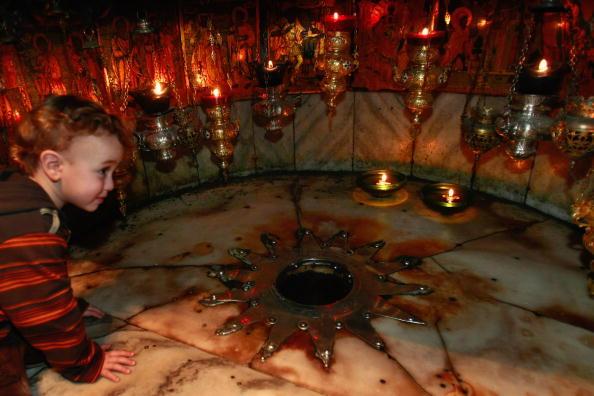Crawling「Christmas Preparations In Bethlehem」:写真・画像(10)[壁紙.com]