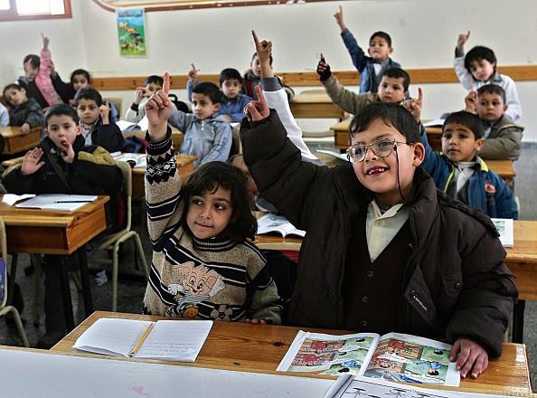 Deir Al-balah「Palestinian Children Study At The Dar Al-Arqam School」:写真・画像(17)[壁紙.com]