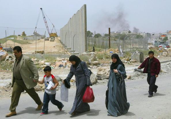 Israel-Palestine Conflict「Israelis Construct Wall Around Ramallah」:写真・画像(10)[壁紙.com]