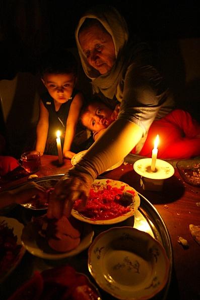 Candlelight「E.U. To Resume Fuel Aid To Gaza Strip Electric Company」:写真・画像(10)[壁紙.com]
