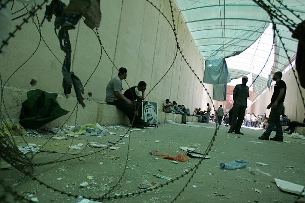 West Bank「Fatah Supporters Flee Across Erez Crossing」:写真・画像(16)[壁紙.com]