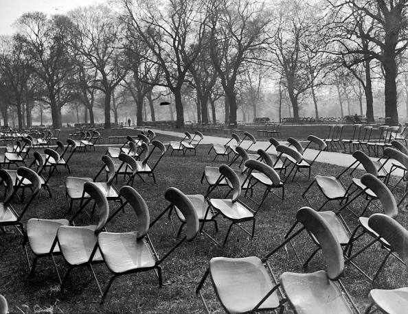静物「Park Chairs」:写真・画像(0)[壁紙.com]