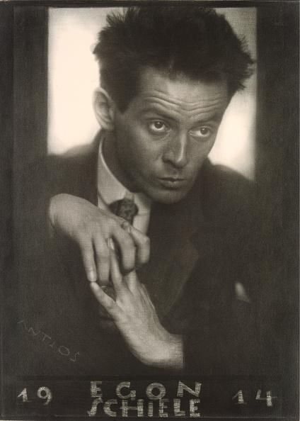 Austrian Culture「Austrian Painter Egon Schiele. 1914. Photograph By Anton Josef Trcka (Antios)」:写真・画像(11)[壁紙.com]