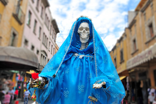Parade「Decorated female skeleton on Day of the Dead Holiday in Mexico City Mexico」:スマホ壁紙(8)