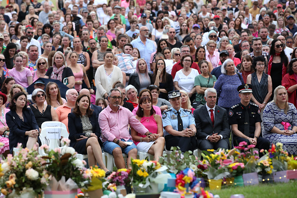 Brisbane「Vigil Held For Murdered Mother And Children」:写真・画像(15)[壁紙.com]