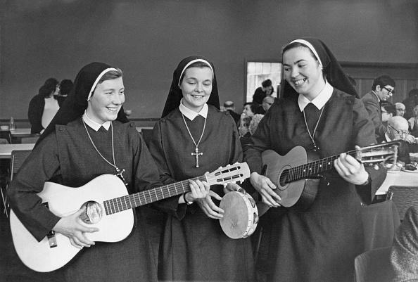 楽器「Singing Nuns」:写真・画像(13)[壁紙.com]