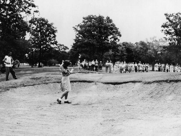 Sand Trap「Babe Swings From Sand Trap At 1946 US Women's Amateur」:写真・画像(16)[壁紙.com]