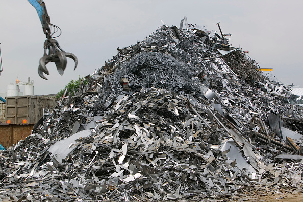 Efficiency「A scrap metal merchants in blackburn, UK. Recycling saves huge amounts of energy and cuts down on the need for landfill.」:写真・画像(8)[壁紙.com]