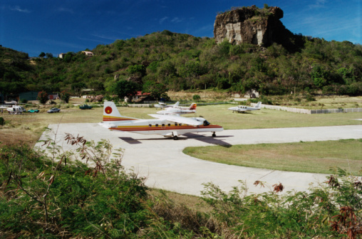 French Overseas Territory「Airport, St Barths」:スマホ壁紙(8)