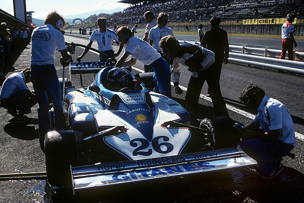 Mechanic「Jacques Laffite, Grand Prix Of Japan」:写真・画像(1)[壁紙.com]
