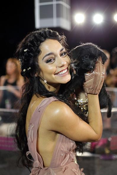 ヴァネッサ・ハジェンズ「2015 MTV Video Music Awards - Red Carpet」:写真・画像(2)[壁紙.com]
