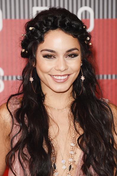 ヴァネッサ・ハジェンズ「2015 MTV Video Music Awards - Arrivals」:写真・画像(1)[壁紙.com]