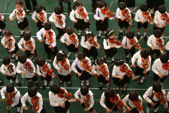 Violin「3000 Children Participate In Strings Concert In Tokyo」:写真・画像(13)[壁紙.com]