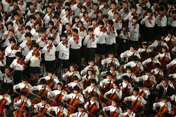 Violin「3000 Children Participate In Strings Concert In Tokyo」:写真・画像(12)[壁紙.com]