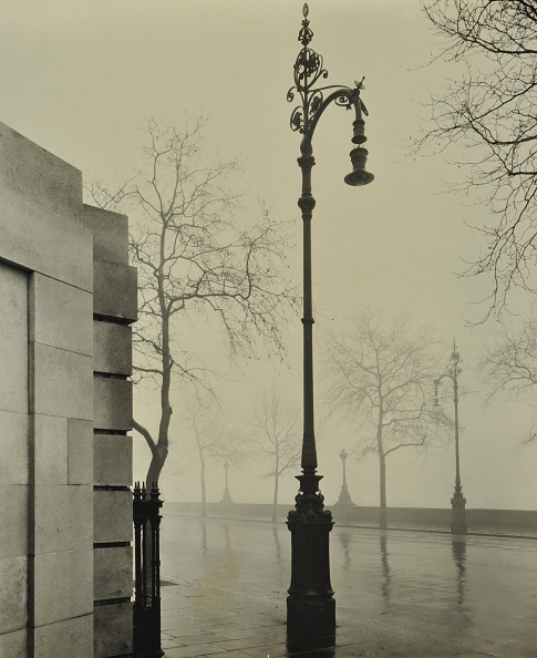 Lighting Equipment「Kerle Electric Streetlamp, Victoria Embankment, London, 1928」:写真・画像(7)[壁紙.com]