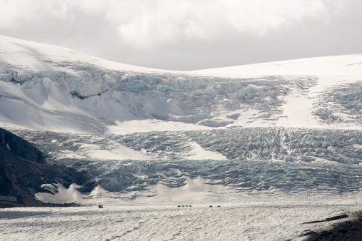 Frowning「Columbia Icefield Glacier, Alberta, Canada」:スマホ壁紙(13)