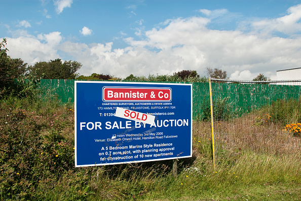 Land「Plot of land sold at auction, Felixstowe, Suffolk, UK」:写真・画像(17)[壁紙.com]