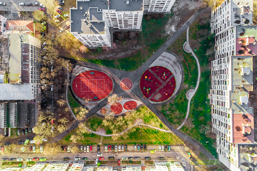 Taking a Shot - Sport「Aerial top view drone shot of basketball and children playground with red pavement」:スマホ壁紙(8)