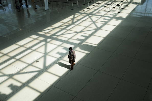 People「JFK Airport Usage Dwindles During Coronavirus Outbreak」:写真・画像(9)[壁紙.com]