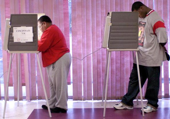 African Ethnicity「Ohio Voters Go To The Polls」:写真・画像(3)[壁紙.com]