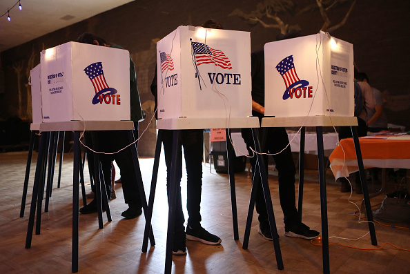 Voting「Voters In California Head To Polls To Cast Ballots In State's Primary Election」:写真・画像(2)[壁紙.com]