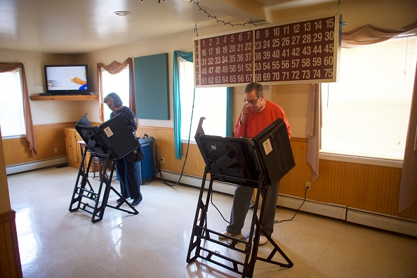 Mark Makela「Voters In Pennsylvania Cast Ballots In State's Midterm Primary Election」:写真・画像(11)[壁紙.com]