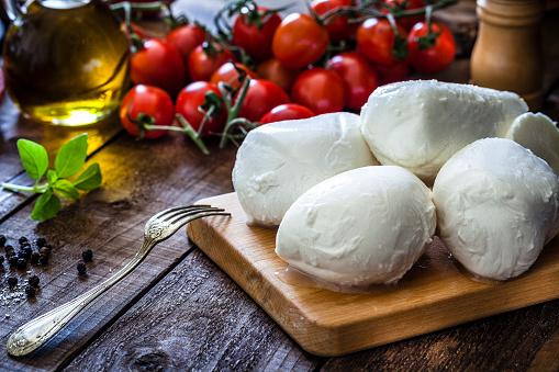 Preparing Food「Mozzarella cheese」:スマホ壁紙(4)