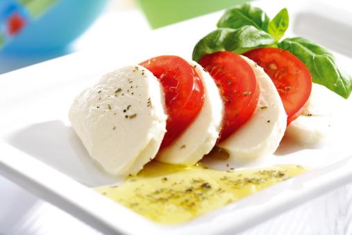 Salad「Mozzarella cheese with tomatoes and basil」:スマホ壁紙(16)