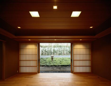 Feng Shui「View of garden from Japanese home」:スマホ壁紙(9)