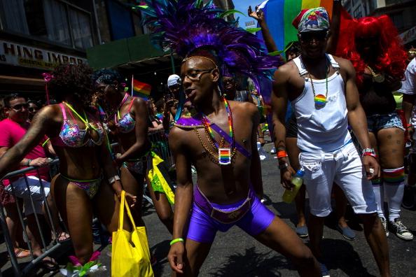 New York City Gay Pride Parade「Gay Pride Parade Winds Through New York City」:写真・画像(12)[壁紙.com]