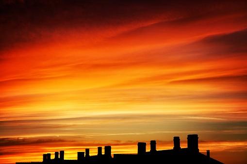 屋外「Sunset sky over chimneys」:スマホ壁紙(8)
