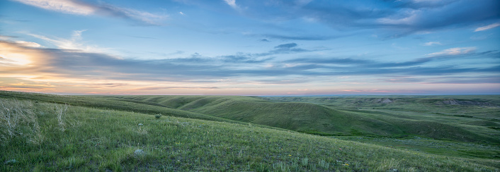 National Park「Sunset sky over Grasslands National Park; Saskatchewan, Canada」:スマホ壁紙(15)