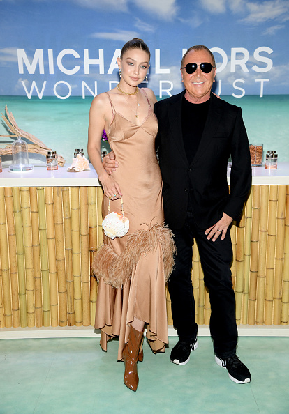 Mini Bag「Michael Kors & Gigi Hadid Bring Fantasy Island To NYC For The Launch Of The Latest Wonderlust Fragrance Campaign」:写真・画像(11)[壁紙.com]