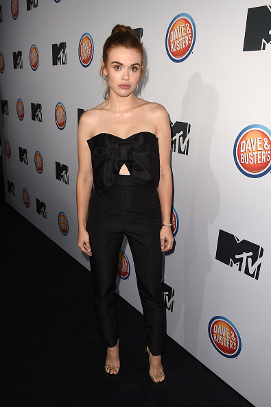 """Holland Roden「MTV's """"Teen Wolf"""" And """"Sweet/Vicious"""" Premiere Event」:写真・画像(19)[壁紙.com]"""
